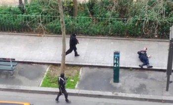 Video: el momento en que asesinan a un policía en París   Charlie hebdo