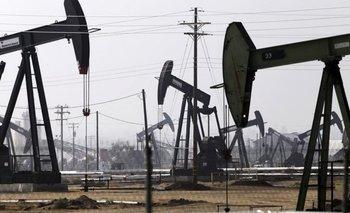 Tras tocar un mínimo en seis años, el petróleo se desploma nuevamente | Estados unidos