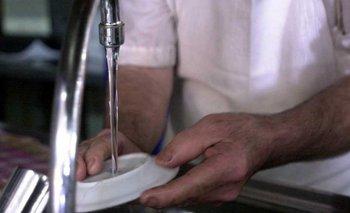 AYSA explicó por qué el agua tiene olor y sabor extraño  | Agua