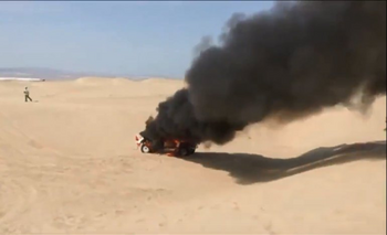 VIDEO: El auto de una corredora argentina se prendió fuego en pleno Dakar | Rally dakar