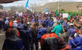 Suspenden momentáneamente los despidos en Río Turbio | Río turbio