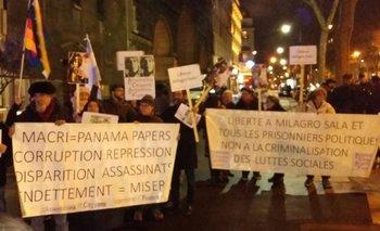 Marcha en Francia contra la visita de Mauricio Macri y exigieron la libertad de Milagro Sala | Mauricio macri