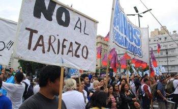 Aumento de tarifas: masiva movilización en contra del tarifazo de Macri   Cgt