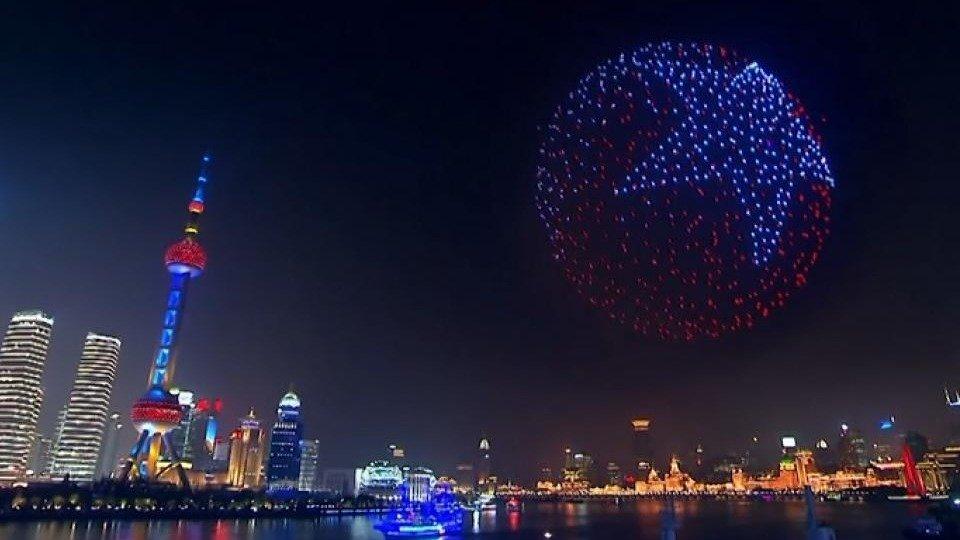 En China cambiaron la pirotecnia por un espectáculo de drones