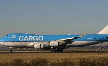 Encuentran más de 82 kilos de cocaína en un avión en Ezeiza | Estupefacientes