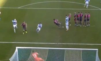 Le 'robaron' a Bielsa: le hicieron un gol con dos manos | Video