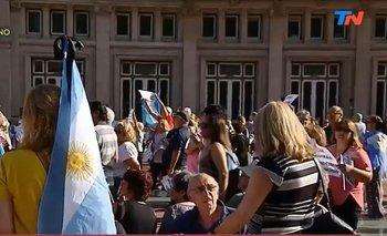 Así está la Plaza Vaticano a minutos del acto por Nisman | Alberto nisman