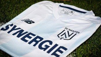 La camiseta del Nantes en homenaje a Emiliano Sala | Con los colores de argentina