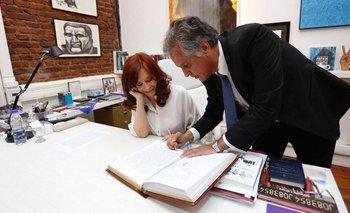 ¿Qué libro leía CFK al momento de asumir como Presidenta? | Cristina kirchner