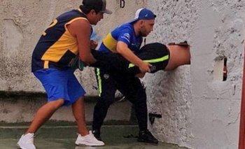 Del otro lado: nueva foto del hincha atrapado en la pared | Boca juniors
