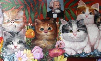 El mural de Marx y gatitos que es furor en Buenos Aires | Buenos aires