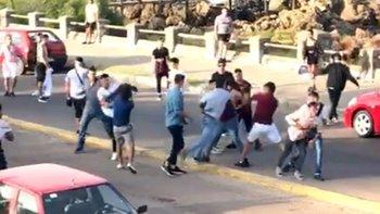 Batalla campal a las piñas entre argentinos y uruguayos | Uruguay