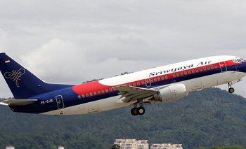 Búsqueda desesperada de un avión desaparecido en Indonesia   Accidente aéreo