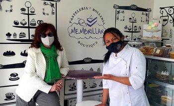 De zapatillas y con barbijo, Cristina sorprendió a una panadera en El Calafate | El calafate