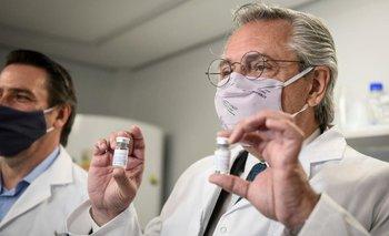 El Gobierno compró 20 millones de carnets para certificar quien se vacunó   Vacuna del coronavirus