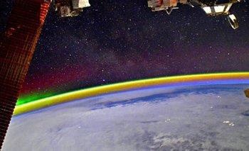 Impresionante: astronauta capturó un arcoiris desde el espacio | Espacio exterior