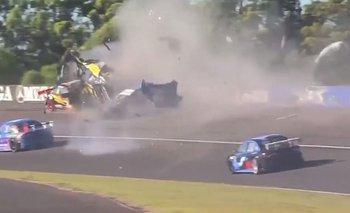 Video: El Dipy provocó un impactante accidente en el Top Race | El dipy