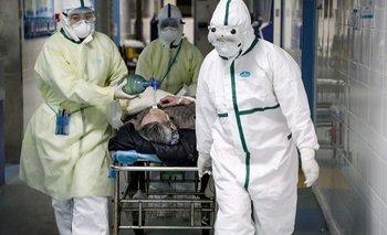 Reino Unido: 100 mil muertes y amenaza de bomba en AstraZeneca | Reino unido