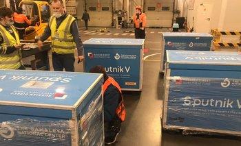 Coronavirus: Aerolíneas Argentinas traerá vacunas Sputnik V para Bolivia | Vacuna del coronavirus
