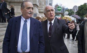 La despedida de los políticos al fiscal del juicio a las juntas   Julio césar strassera