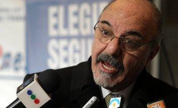 """Tomada: """"El Gobierno está desmantelando el Estado""""   Carlos tomada"""