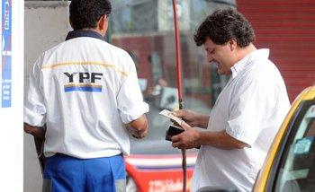 El Gobierno da el primer paso de desinversión de YPF   Ypf