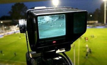 Conflictos por la transmisión de la Superliga   Fútbol