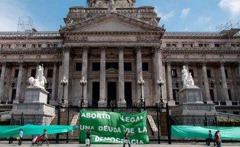 Un sondeo preliminar muestra cómo votarían los legisladores sobre el aborto   Aborto