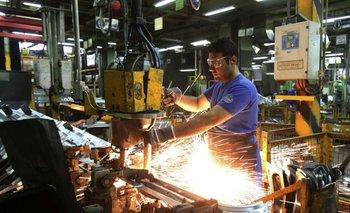En septiembre, la industria registró primera alza interanual de 2020 | Reactivación económica