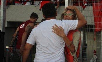 Quién es la mujer a la que abrazaron los jugadores de River | River plate