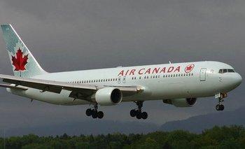 Aterrizó sin problema el avión que voló sin una rueda | España
