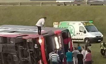 Volcó micro en Ruta 2: al menos 13 heridos y 2 muertos | Ruta 2