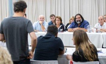 Kicillof inició el diálogo con docentes y estatales | Paritarias 2020