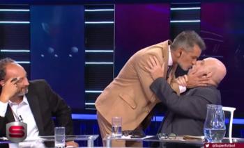 Diego Díaz y Horacio Pagani en una escena de amor en vivo | Tyc sports