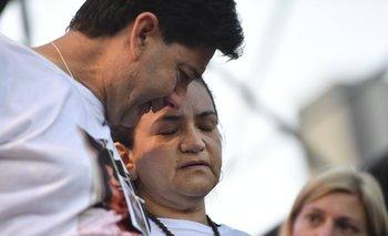 La mamá de Fernando Báez Sosa se desmayó en plena marcha | Crimen en gesell