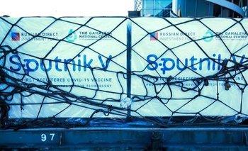 Partió el avión de Moscú que trae 400 mil dosis de la Sputnik V | Coronavirus en argentina