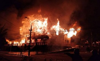 Chile: incendian edificios públicos por un caso de gatillo fácil | Chile