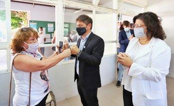 Kicillof y Vizzotti juntos en un vacunatorio de Morón | Provincia de buenos aires