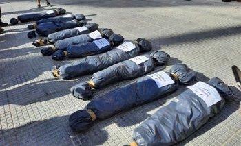 Denunciaron a Patricia Bullrich por la marcha con bolsas mortuorias | Juntos por el cambio