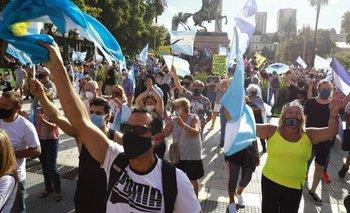 El insólito canto que se escuchó en la marcha contra el Gobierno   Plaza de mayo