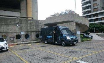 Tras los despidos masivos, efectivos policiales sitiaron la Biblioteca Nacional | Policía federal