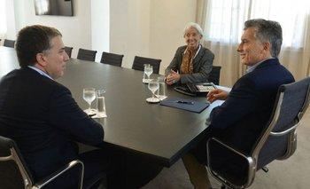 Cuando las lisonjas son grandes | Qué hay detrás de los elogios del FMI, el Banco Mundial y la OCDE | Macri presidente