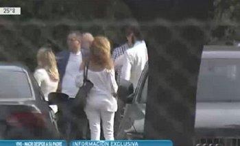 El error de un movilero mientras trasmitía en vivo la ceremonia de Franco Macri | Murio franco macri