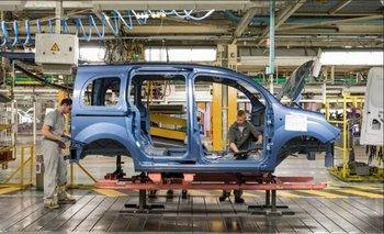 Córdoba: Renault incorpora 500 nuevos operarios  a su planta   Trabajo