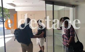 Escrachan al periodista de Clarín que operó en el Caso Maldonado | Elecciones en neuquén