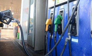 Suben las naftas 15 centavos por impuesto a los combustibles | Suba de la nafta