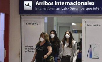 Realizaron el primer traslado de extranjeros a Ezeiza | Coronavirus en argentina