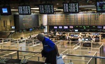 Dólar: tras las medidas, caen fuerte acciones y bonos argentinos | Crisis económica