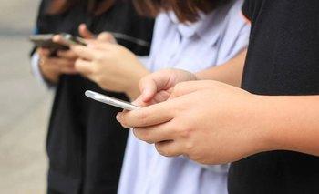 Coronavirus: ¿Cómo desinfectar tu celular? | Tecnología