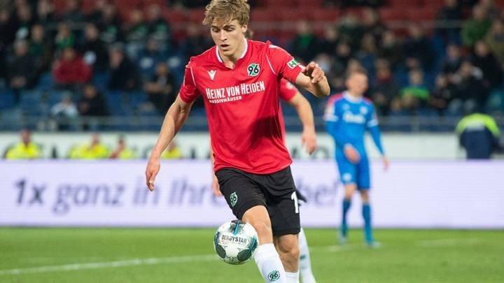 Futbolista alemán da positivo en coronavirus